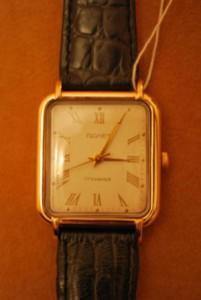 17 камней продам часы золотые полет с продам старинные боем часы