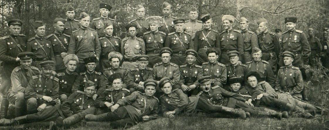 Мой дед служил в 28 гвардейском, кавалерийском полку, 6 гв кавдивизии (комбрикель), 3 гв кавкорпуса