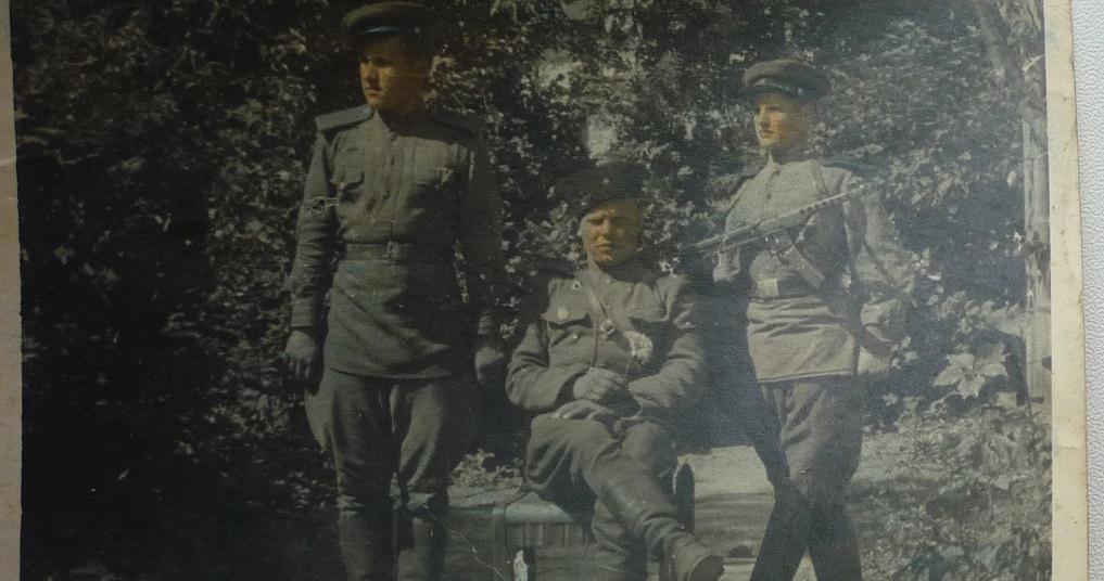 Танкисты у т-34 обр
